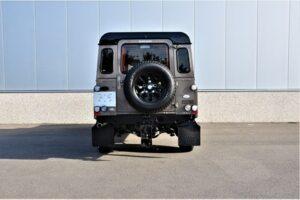 Tweedehands Land Rover Defender achterkant BARN282 Land Rover & Jaguar specialist Kalmthout