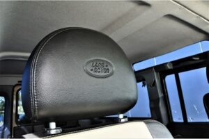 Tweedehands Land Rover Defender hoofdsteun BARN282 Land Rover & Jaguar specialist Kalmthout